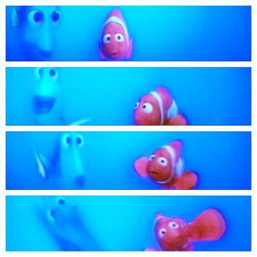 Momento Dori intentando hablar en balleno. Nemopeli Nemo Marlyn Dori disney films sidney