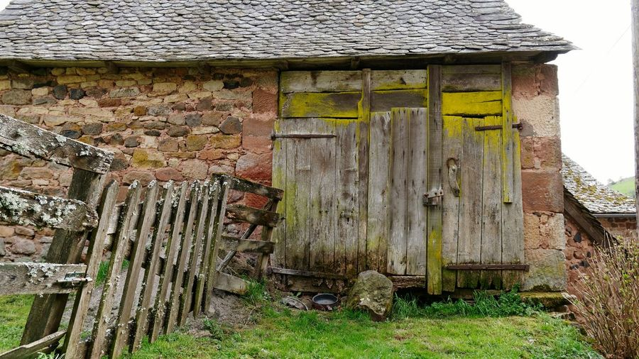 Roquelaure Village Farm Portail Old Town Rural Rural Scene Aveyron Stone Wall Countryside Door Wood - Material Door Architecture Building Exterior Built Structure Grass Farmland Stilt House Cottage Entryway Closed Door Closed Entry Entrance
