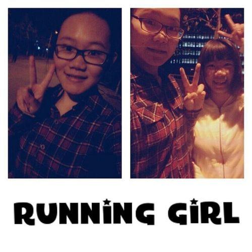 为毛周末风雨球场不开门!!!不开门也阻挡不了我们运动的脚步!!!??Running Sport Friend Schoolrunning runners nightrunning warmlight checker runninggirl happymoment tagforlike likeforlike