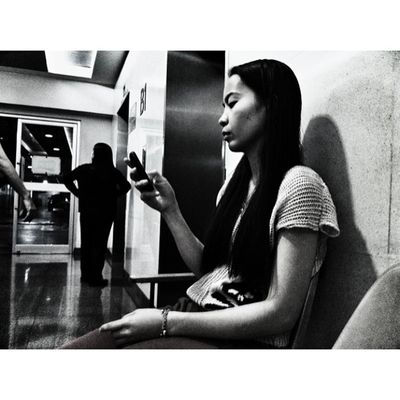 IGDaily Igmanila Ig_philippines Monochrome_asia Stranger Streetphotography Bnw_city Bnw_manila Bnw_philippines Ortigas medical arts tower