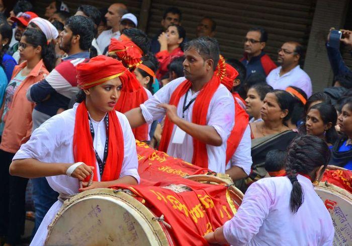 Ganeshvisarjan Dholtasha Puneri Girl Power Shivgarjanapatak