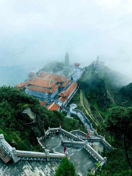 Fansipan mist Clouds Asian Temple Temple Roofs Rooftop Foggy Landscape Mountain View Mountain Peak Mountain Road Mountain Temple Buddist Temple Indochina Mountain Asian Culture Sapa Sapa, Vietnam Fansipan Mountain Fansipan Plant Tree Nature Sky Architecture Day Built Structure Fog Outdoors No People
