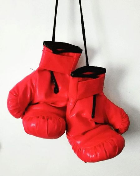 Tvc_trooper Top10minimal Minimal_mood Minimal_hub Paradiseofminimal 9Minimal7 Mnm_gram Pocket_minimal Ptk_minimal Tv_simplicity Minimalexperience Soulminimalist Minimalint Boxinggloves Boxing Fight Sports Fyp_wbg