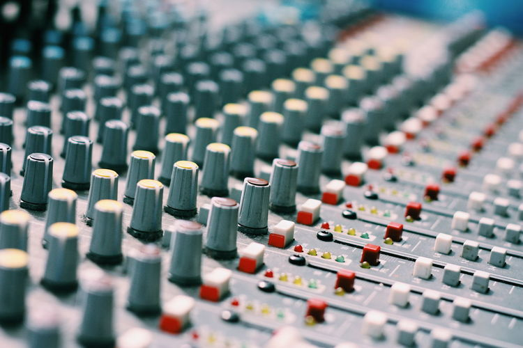 Sound control board Sound Mixer Mixing Sound Recording Equipment Recording Studio Music Audio Equipment Studio Indoors  Control Panel Control Close-up Technology Arts Culture And Entertainment No People Radio Station Day