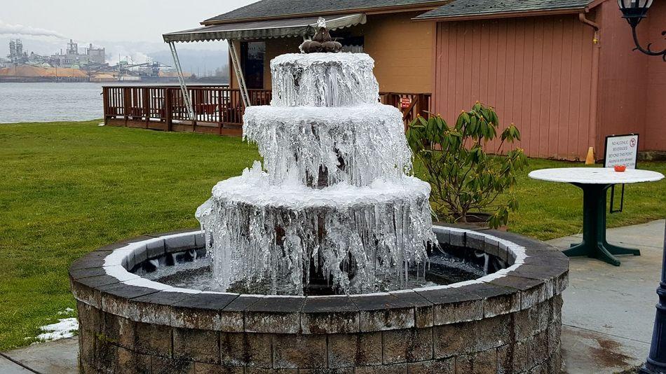 frozen waterfountain Drinking Fountain Day Spraying