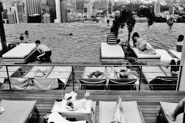 Pool at MarinaBaySands. Leica 35mm Summarit Blackandwhite #film