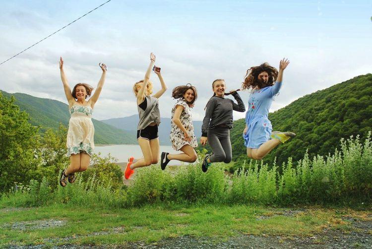 Georgia Ananuri Girls Jumping Amazing Nature 🎈👻