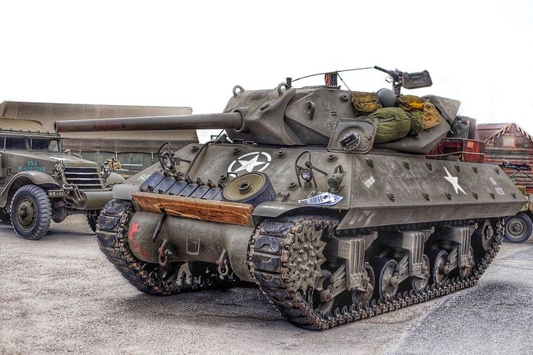 Tank Destroyer US M10 Show Oil And Sand Barcares WWII Ww2 France USA Star HDR Gun Us Army Armee Army Char Wolverine Destroyer M10 Tank