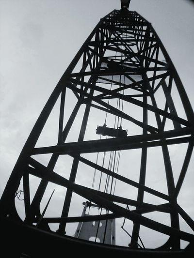 High. Instalation Metalwork Roots Anotherworkingday Work Noclouds Justhigh Black & White Blackandgrey Grid