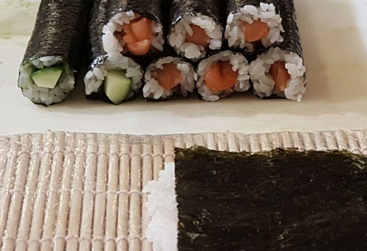 Healthy Eating Freshness Food And Drink Food Sushi Sushi Rolls Sushiroll Japanese Food Food Photography Foodporn Eating Sushi Sushi Time Cover Background Japanese Style Salmon Sushi Salmon Avocado
