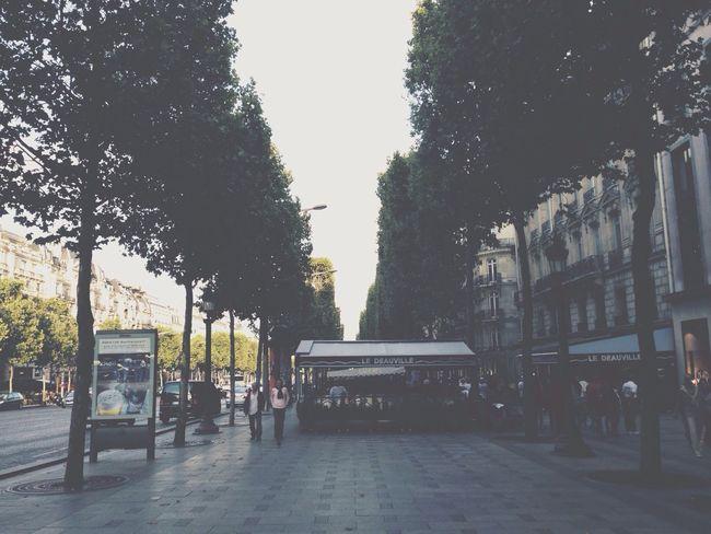 Breezy Paris Throwback