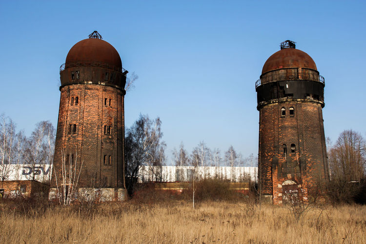 Leipzig Abandoned Architecture Bahnbetriebswerk Built Structure Day Grass History Lost Places In Leipzig Lostplaces No People Old-fashioned Outdoors Sky Storage Tank Water Tower - Storage Tank