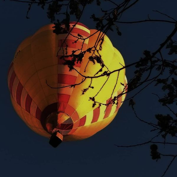 MOONgolfiera Festival International Libertá Salerno Paestum Mongolfiera  Moon Night Nightphotography #fly #italy Photooftheday #Freedom Hot Air Balloon Flying Flame Sky Ballooning Festival Planetary Moon Fireball