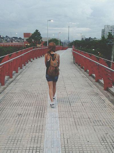 """Talvez eu esteja começando a enterder o significado da frase """"Eu estou me sentindo infinito"""" Walking Around Bridge Ponte Escaping"""