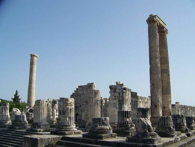 Apollon Tapınağı Old Ruin Architectural Column Business Finance And Industry Architecture History Travel Destinations Built Structure