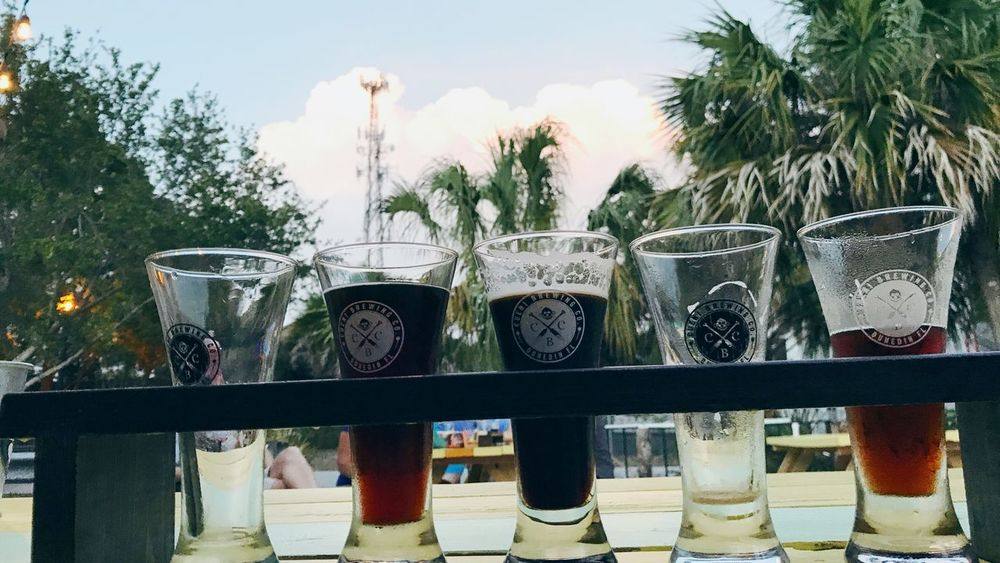 Cueni Beerflight Craftbeer Floridabrewery Dunedin Live For The Story