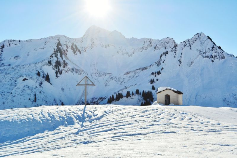 Chapel Creek Snow Cold Temperature Mountain Winter Polar Climate Snowcapped Mountain Scenics White Color Beauty In Nature Mountain Range Outdoors No People Landscape Tranquil Scene Travel Destinations Sunlight Day Tranquility Built Structure Nature Shades Of Winter