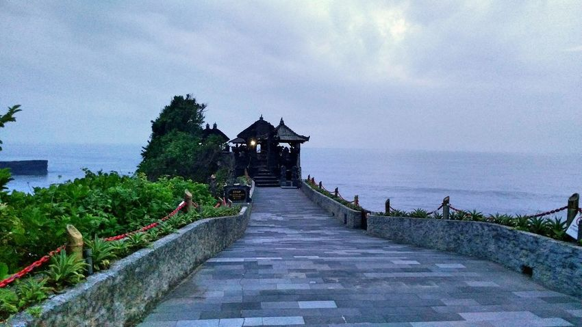 Tanah Lot. TheFoneFanatic Lenovovibeshot Phone Photography Mobile Photography Twilight Tides Wave Beach Scenics Sky Sea Beautiful Vacations ASIA Landscape The Week On EyeEm Nature Travel Tanah Lot