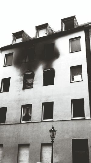 Building Fire Damage Verbrannt City Life City View  Street Photography Streetphoto_bw Black And White Black&white Black & White Damaged Building Black And White Photography No People Damaged Black And White Collection  The Photojournalist – 2016 EyeEm Awards Streetphoto Street Life My City City House