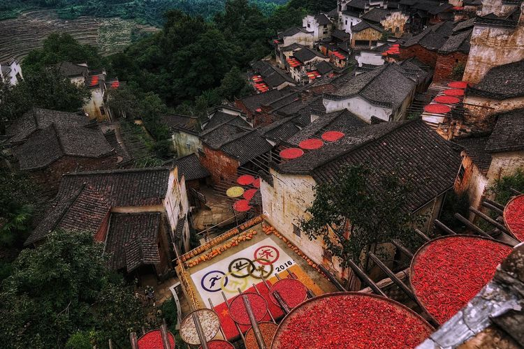 China Photos Building Exterior Village Urban Urban Life Urban Lifestyle Nature China Taking Photos Traditional Dry Pepper Plant Peppers Travel Architecture Beauty In Nature Built StructureBackgrounds Multi Colored Close-up Outdoors No People Beautifully Organized Streamzoofamily Streamzoofamily Friends The Great Outdoors - 2017 EyeEm Awards The Architect - 2017 EyeEm Awards