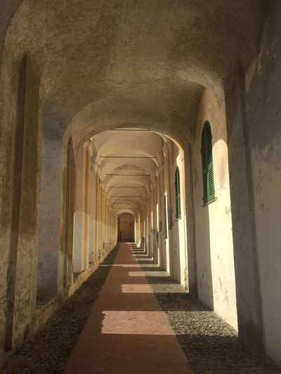 Direction The Way Forward Architecture Arch Built Structure Arcade Corridor No People Architectural Column vanishing point Empty Day In A Row Colonnade History Diminishing Perspective