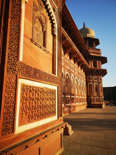 Red Fort Agra EyeEm Best Shots Leica Photography. Gpmzn Beautiful Sunset The Color Orange King - Royal Person City Place Of Worship Bas Relief Triumphal Arch Archaeology Old Ruin Ancient History
