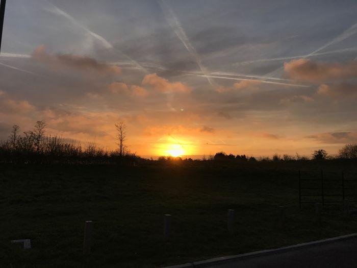 MobileSky Shotoniphone7plus Sunrise Contrail Clouds Sky Sun Sommergefühle EyeEm Ready