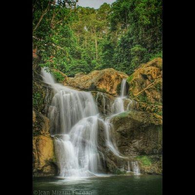 Air terjun seuhom, Lhoong, Aceh Besar Iloveaceh Exploreaceh Icanphotography Wu_indonesia Wu_asia Insta_aceh INDONESIA Instanusantara Waterfall Instagood Ig_worldclub Mybestshot Allshot_ All_shot Imadeit Gf_indonesia  @wu_indonesia @world_union Tengokaceh