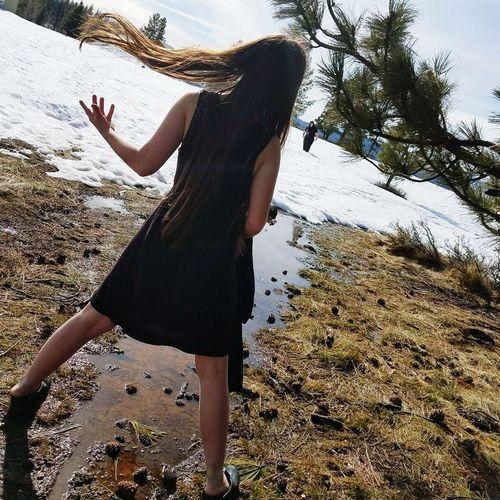 Day Standing Outdoors Flippinghair Friends Walkingtobench Snow Meltingaway Longhair Truckee  Tree Glenshire