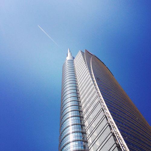 skyscraper 🗼 Italy Milano Corso Como Porta Nuova Travel IPhoneography Urban Geometry Skycraper Urban Landscape Geometric Shapes