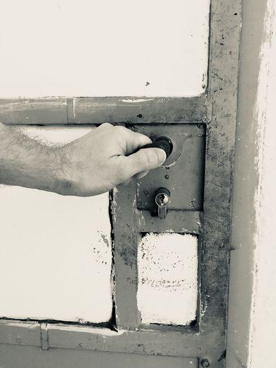 Die Tür zur Vergangenheit öffnen Behind The Door Devil Past Door Mental Power Human Hand Hand Human Body Part Real People One Person Unrecognizable Person Inner Power
