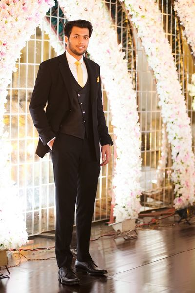 Stage Flowers Model Look Groom