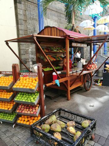 Market Vegetable Fruit Food And Drink Healthy Eating Food Freshness Market Stall Outdoors Day Variation Retail  Freshjuice Freshjuices Jus Orange - Fruit Caudanwaterfront Ilemaurice Mauritius 🇲🇺 Mauritiusisland Mauritian_life Mauritius Beauty Mauritiusparadise