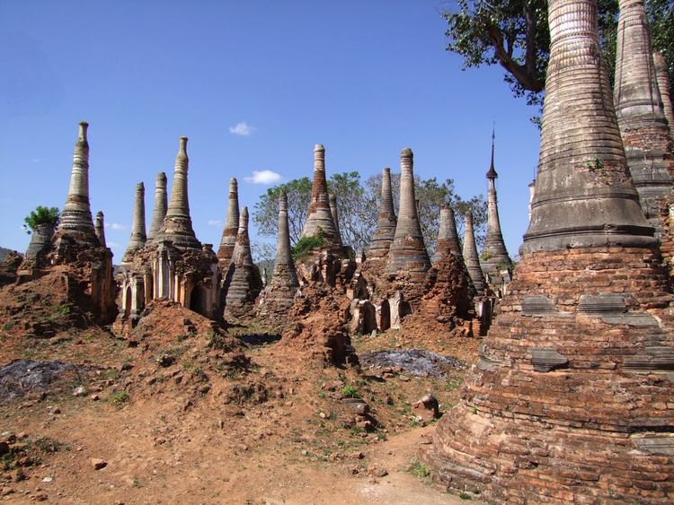 Forest of Old Stupa (Part of 2,527 Stupas of 11th to 13th century) Ancient Ruins Ancient Stupas Blue Sky Buddhism Buddhist Architecture Buddhist Stupas Composition Full Frame Historic Site Historical Monuments Inle Lake Kakku Myanmar Old Ruins Old Stupas Outdoor Photography Place Of Prayer Place Of Worship Religion Shan State Stupas Tourism Tourist Attraction  Tourist Destination Tree