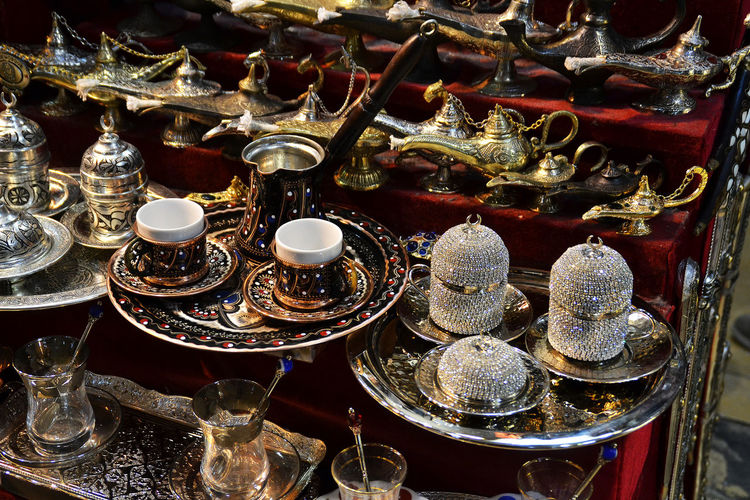 Arrangement Basar Istanbul Choice Collection Fragility Grand Basar Group Of Objects Großer Basar In A Row Indoors  Large Group Of Objects No People Order Tea And Coffee Ceremo Variation Various