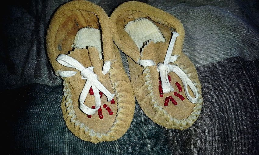 My baby shoes (: ♡ Baby Shoes 90s Baby Swaggin Indian Style Native American Indian Nativeamerican  Moccasins Realmoccasins Babymoccasins Fashion Shoes