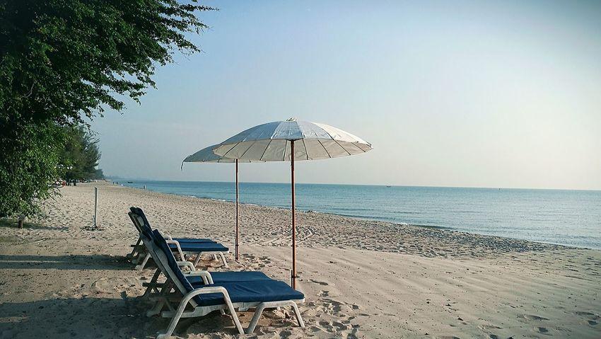 beach Sea Water Relaxation Beach Vacations Palm Tree Beach Umbrella Clear Sky