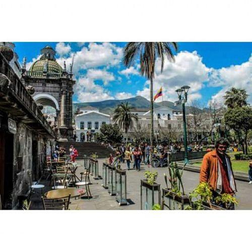 AllYouNeedIsEcuador Ecuador Ecuadorian Ecuadoramalavida Quito Uio Canonecuador Canon Canon_official Capital CaritaDeDios Carondelet Centrohistorico Picoftheday Pic Photooftheday Loveart Art