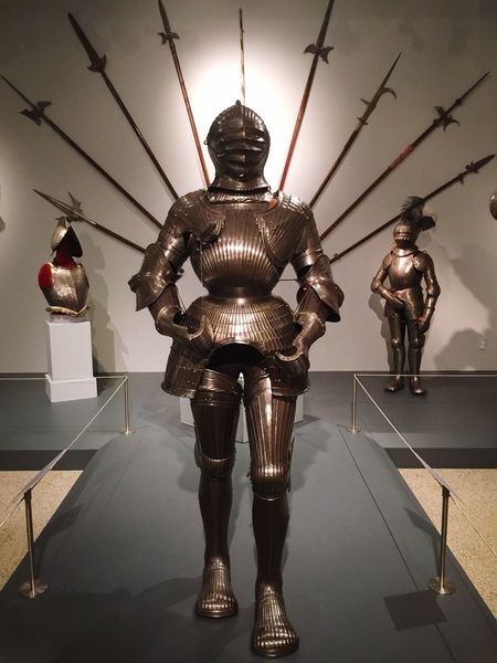 Visited Reading, Pennsylvania and saw this cool Armor display. Original Experiences Knight  Armor Reading, PA. Spears Weapons Of War Helmet Architecture_collection Eyeem4photography EyeEm Gallery Eyeem Market EyeEm Art Photography Fine Art Photography What's On The Roll