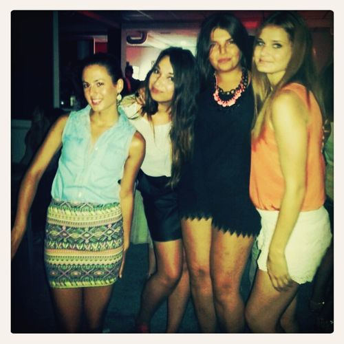 partyyy with friends :)