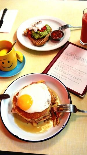 ShareTheMeal Egg Ready-to-eat Food Breakfast Food And Drink Freshness Fried Egg Drinking Glass Food Styling Healthy Eating Meal Indoors  Table Egg Yolk Plate All With My Sister Breakfast Club London London Lifestyle