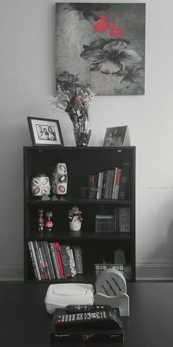 My things Lieblingsteil No People Indoors  Day Fresh On Eyeem  Eyeem Photography Littlethings Household Objects House Interiors  House Setting Close-up On Eyeem Red Red Color Blackandwhite Photography Black And White Photography Blackandwhite Black And White