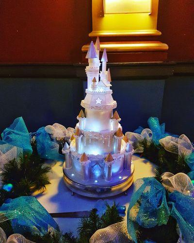 Wedding cake Indoors  No People Close-up Day Wedding Wedding Photography Wedding Day Wedding Cake Cake Frozen Frozentheme EyeEmNewHere