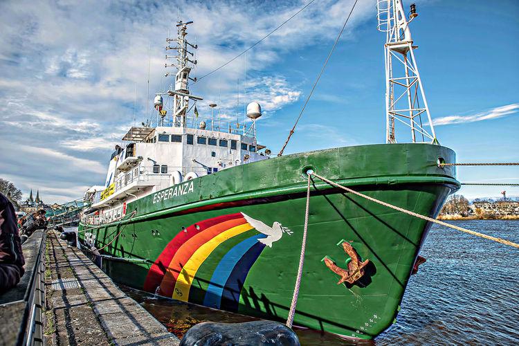 Bordeaux Esperanza France Greenpeace Peace Bateau Boat Navire River Sea Ship