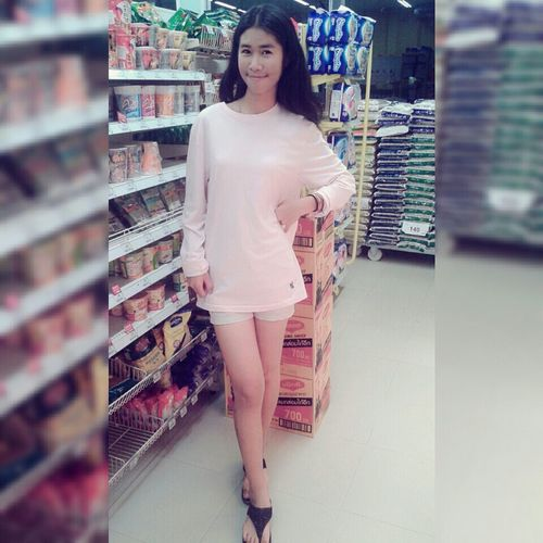 Free style! That's Me Smiling ^_^ Shopping Faces Of EyeEm Girl Leg Pink