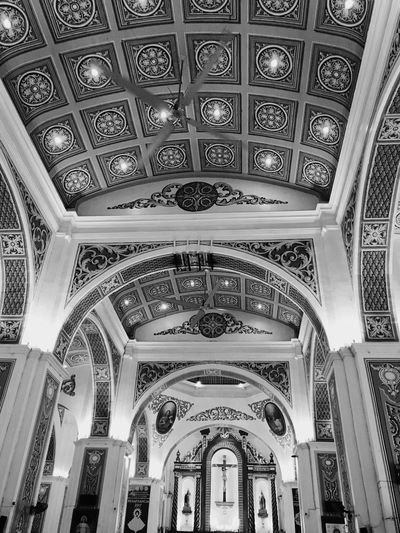 Black And White Friday Arch Ceiling Architectural Feature Pattern Place Of Worship Built Structure Indoors  Ornate Architecture Low Angle View No People Day