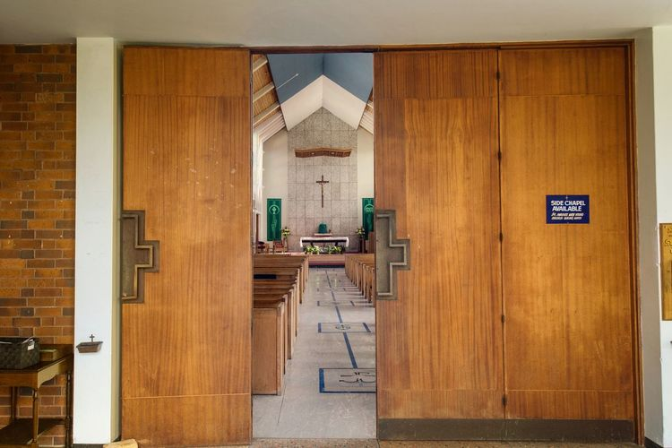 The inside of the good shepher church Wood - Material Door Built Structure Architecture Indoors  No People Building Exterior Close-up Contrast City Impression City Life Imagination Collection Illuminated Impressionist Effect Architecture Cathedral Church Interior Design Imagination Reflect Inside