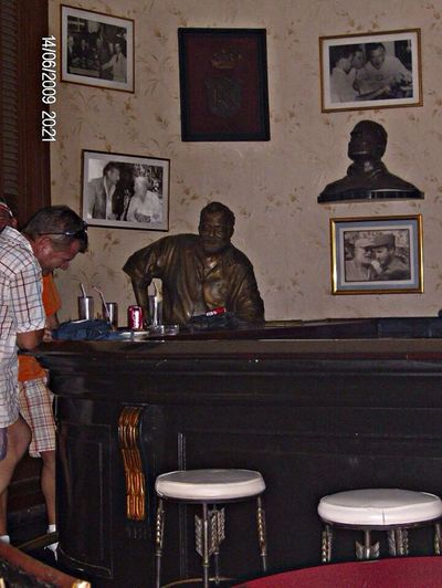 The great Ernest Hemingway in his favorite bar!!! Daquiris!!! Enjoying Life Having Fun Quality Time Meeting Friends