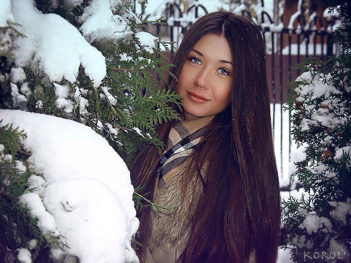 Hanging Out Snow 2015  Christmas Princess