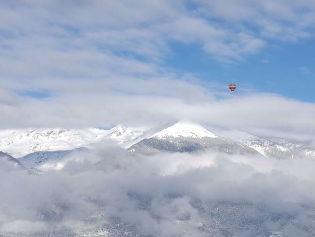 Balloon AirBalloon Snow Winter Landscape Beauty In Nature Aostavalley Valle D'aosta Pila Les Fleurs Vda Amazing Nature Mountain EyeEmNewHere